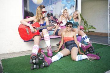 Moxi rollerskates groupphoto