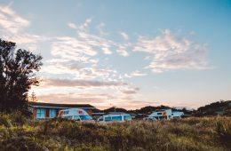 Kamperen bij de kust van Nieuw-zeeland