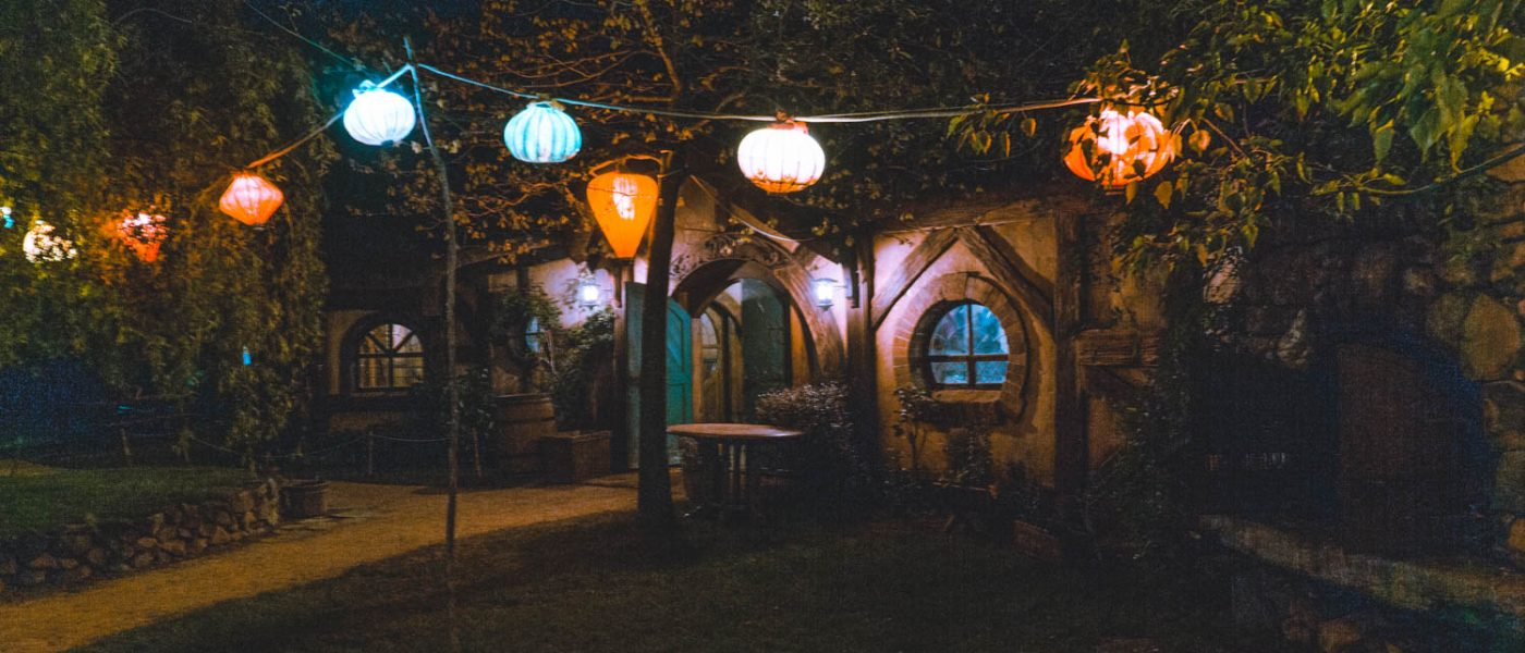 hobbiton Green Dragon in de avond